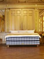 Hastens Vividus Exclusive Bed