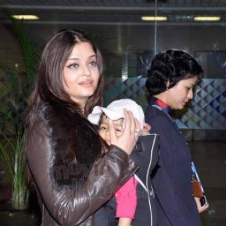 Aishwarya with her baby girl, Aaradhya