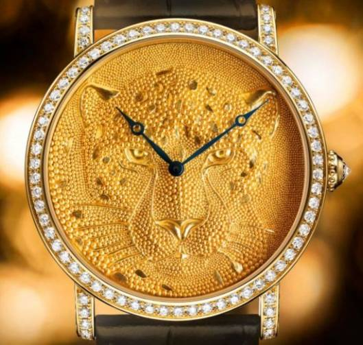 Rotende de Cartier 42mm Panther with Granulation watch features panther motif in gold granulation