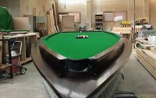 speedbboat pool table