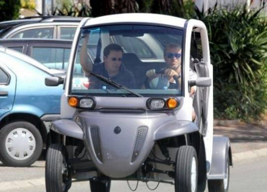 Roman Abramovich drives around in a small electric car