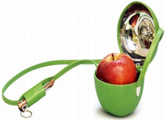 The tongue-in-cheek apple bag