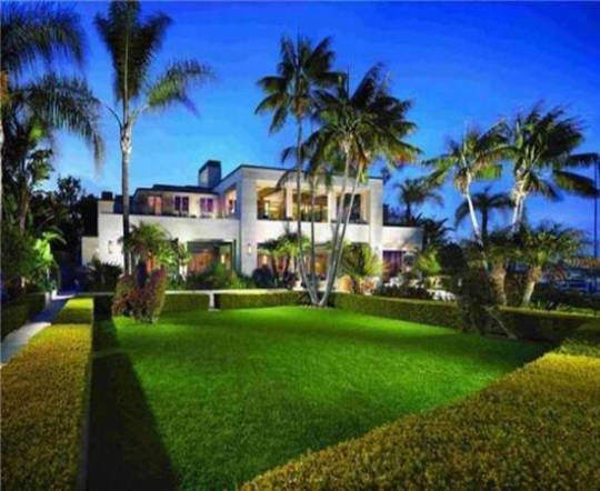 Top 10  celebrity homes for sale