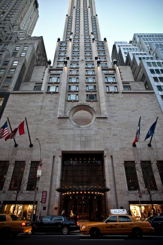 Four_Seasons_Hotel_New_York_Exterior_3
