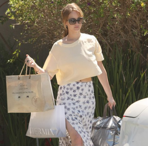 Jennifer Lawrence has been spotted wearing the Tiffany Keys Square Sunglasses often.