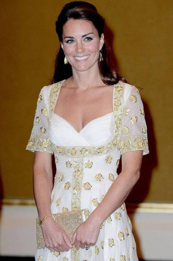 Kate Middleton, the Duchess of Cambridge wore Zoraida jewellery items to attend the Malaysian state dinner party.