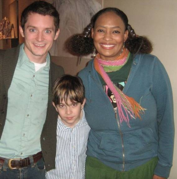 Elijah Wood supports Make a Film Foundation program