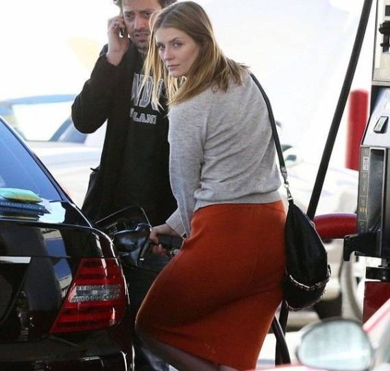 Mischa Barton drives Mercedes-Benz C-Class