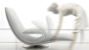 Ricciolo kinematic chaise longue doubles as an armchair