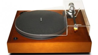 Opera Consonance Isolde turntable is for the classy audio lovers