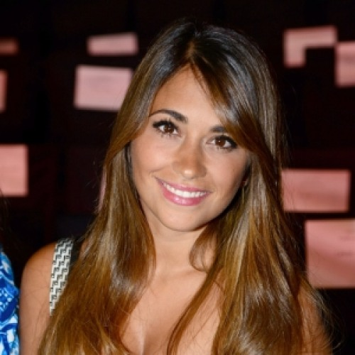 Antonella Roccuzzo earned a  million dollar salary, leaving the net worth at 20 million in 2017