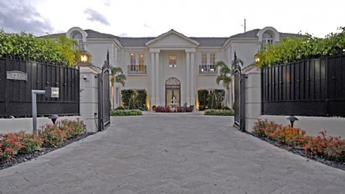 photo: house/residence of friendly 95 million earning Miami, FL, USA-resident