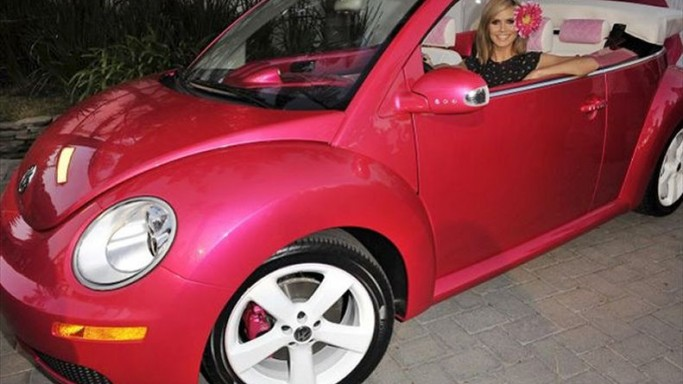 Heidi Klum drives VW Beetle Convertible