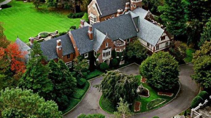 """Classic Connecticut estate """"Wexford Hall"""" for sale"""