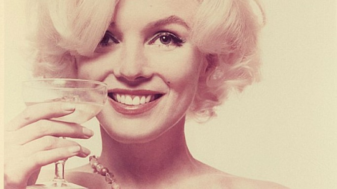 Marilyn Monroe's topless photos from her last ever photoshoot up for auction