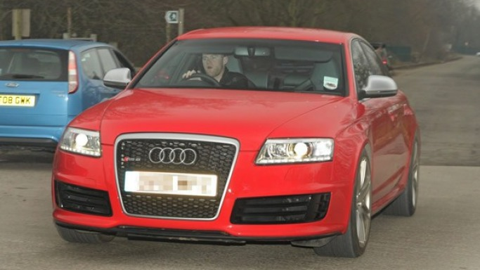 Wayne Rooney drives Audi RS6