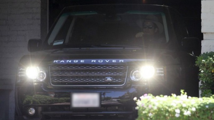 Range Rover car - Color: Black  // Description: