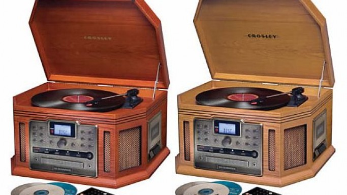 Celebrate your vinyls with the Crosley Songwriter CD Burner