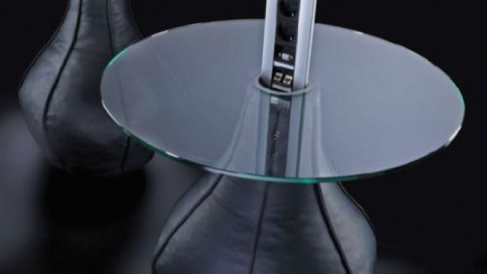 Organize your life with Evoline Port Lounge Table