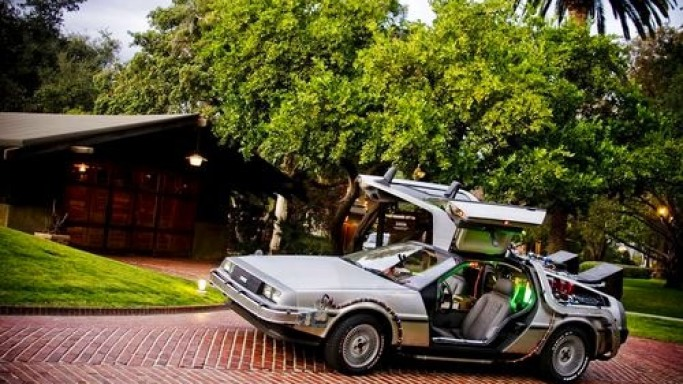 exact replica of the DeLorean